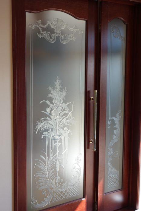 エッチングミラー・店舗・住宅・商業施設などの装飾ガラスを一貫制作